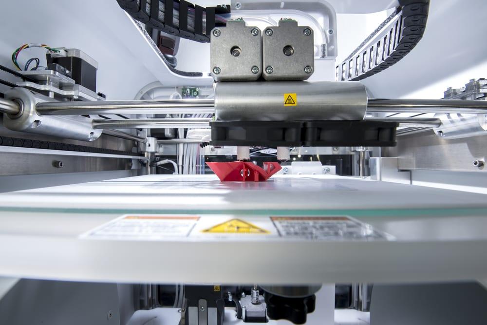 impresora 3d realizando impresión 3d