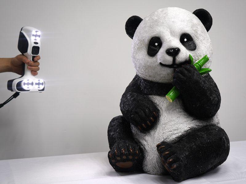 Escaner 3D Color SCANTECH iREal 2E escaneando panda